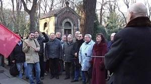 Komunisti u hrobu Gottwalda
